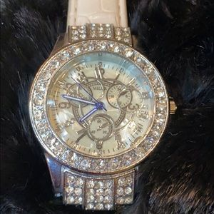 Stunning Silver & Crystal Watch NWOT !!!